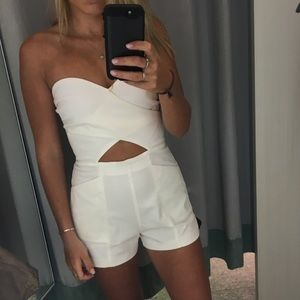 WHITE ROMPER WITH POCKETS